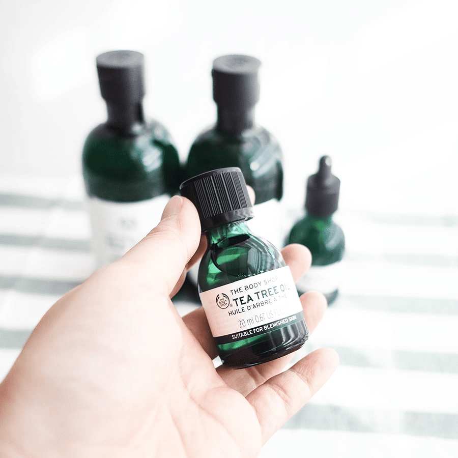 Kem chấm mụn The Body Shop Tea Tree Oil